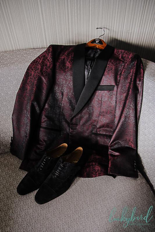 groom-custom-suit-for-detroit-wedding